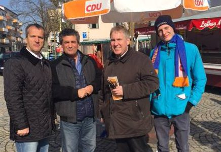 Michael Hennrich bei Infoständen zur Landtagswahl in Filderstadt und Kirchheim